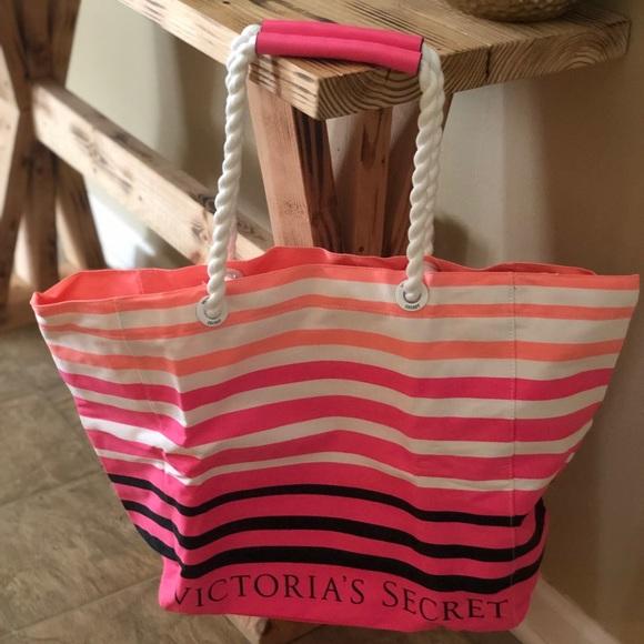 PINK Victoria's Secret Handbags - 💖💖💖NEW VÍCTOR SECRET TOTE💖💖💖